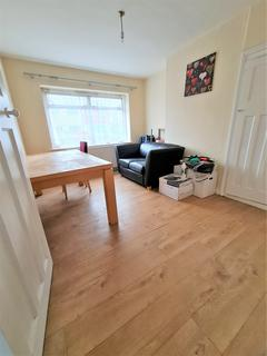 4 bedroom terraced house to rent - Ashford Avenue, Hayes, Greater London, UB4