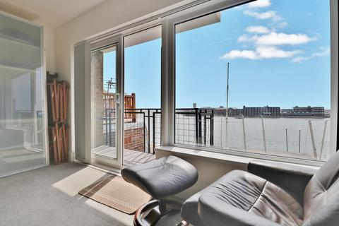 2 bedroom apartment for sale - Broad Street, Portsmouth