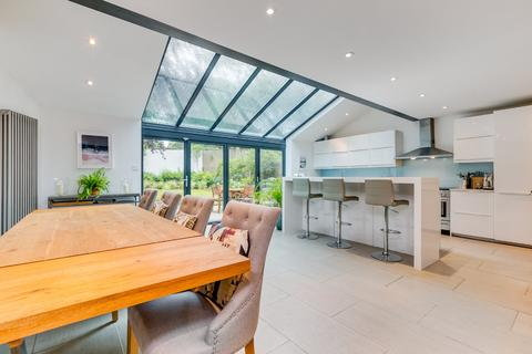 5 bedroom semi-detached house for sale - Montrell Road, London, SW2