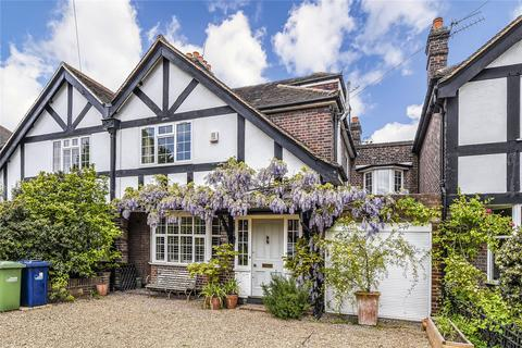 4 bedroom terraced house to rent - Acacia Road, London, W3