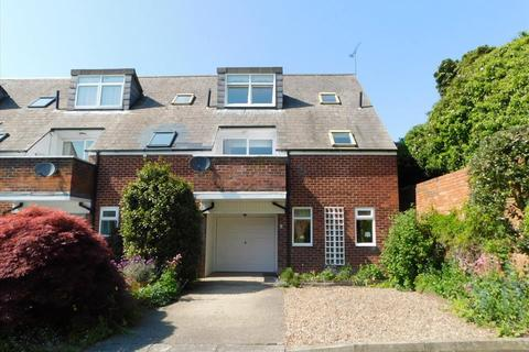 2 bedroom terraced house to rent - BLUE COAT COURT, DURHAM CITY, Durham City, DH1 1TX