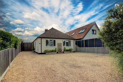 4 bedroom bungalow for sale - Sheepwalk, Shepperton, TW17