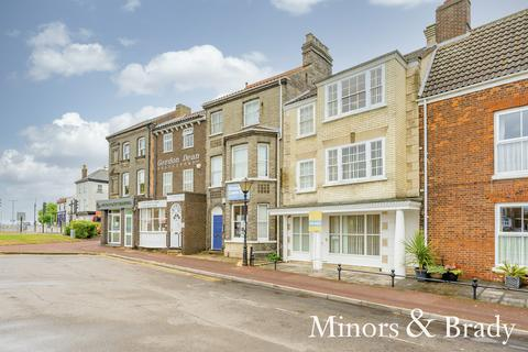 2 bedroom terraced house for sale - Church Plain, Great Yarmouth