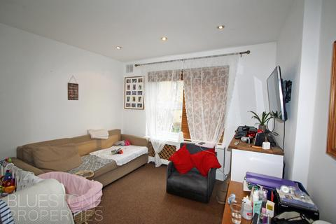 Studio to rent - Kingscourt Road, Streatham Hill