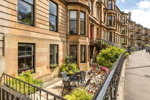 4 bedroom apartment for sale - Queen's Drive, Queens Park, Glasgow