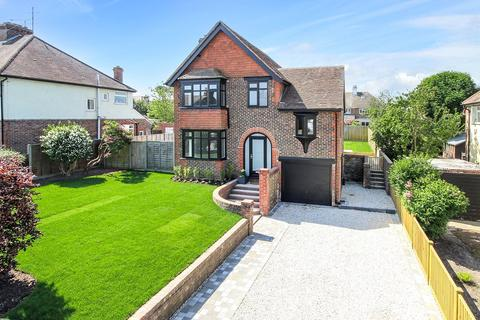 4 bedroom detached house for sale - Worthing Road, Rustington, West Sussex, BN16