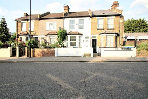 3 bedroom terraced house to rent - Parsons Mead, Croydon, CR0