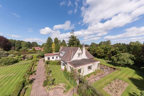 6 bedroom detached bungalow for sale - Runnymede Road, Darras Hall, Ponteland, Newcastle Upon Tyne