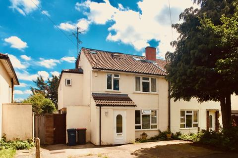 1 bedroom in a house share to rent - Bancroft Close, Cambridge,