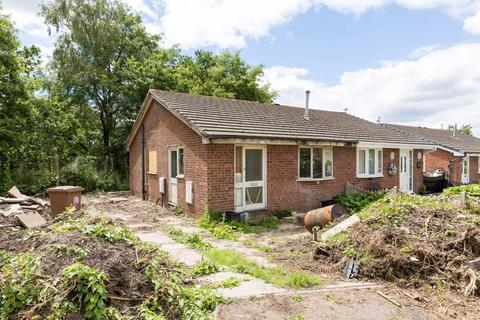 2 bedroom semi-detached bungalow for sale - Abinger Road, Ashton-In-Makerfield, WN4 0RN