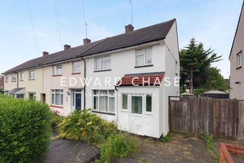 3 bedroom semi-detached house to rent - Barrington Road, Loughton, IG10