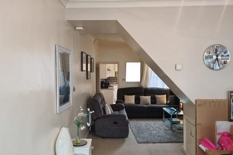 2 bedroom terraced house to rent - Bassett Street