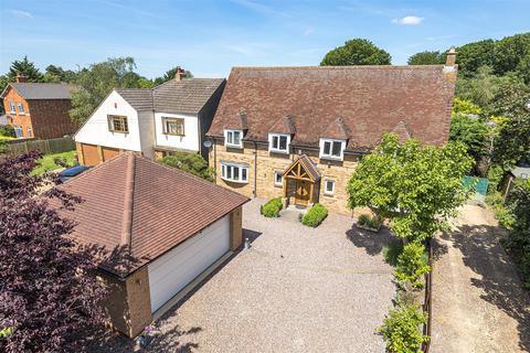 4 bedroom house for sale - Doddington Road, Earls Barton, Northampton