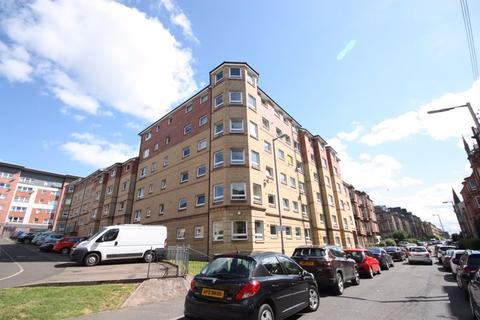 2 bedroom flat to rent - Flat 3/1 15 Roslea Drive