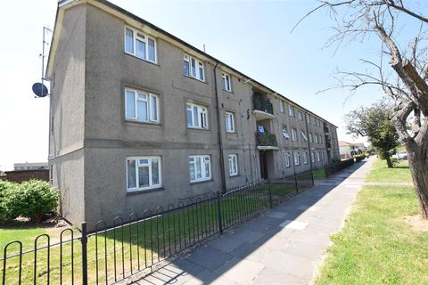 2 bedroom flat for sale - Reynolds Court, Chadwell Heath