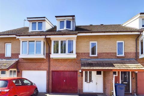 3 bedroom terraced house for sale - Longford Mews, Longford
