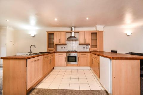 2 bedroom flat to rent - Kashmir House, 66 Gibbon Road, London