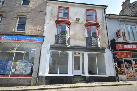 Retail property (high street) to rent - West End, Redruth
