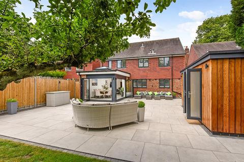 5 bedroom detached house for sale - The Avenue, Andover