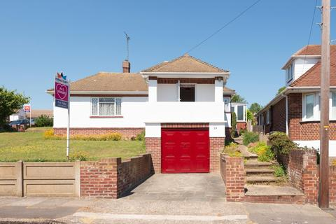 2 bedroom detached bungalow for sale - Lauriston Mount, Broadstairs