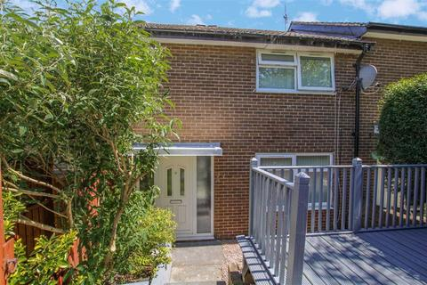 2 bedroom townhouse for sale - Snowden Close, Bramley, Leeds, West Yorkshire, LS13