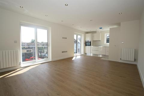 2 bedroom flat to rent - London Road, Leigh-On-Sea