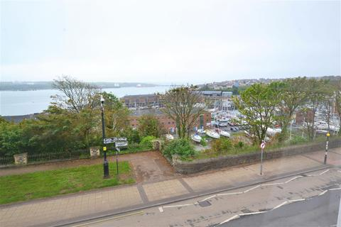 3 bedroom flat for sale - Priory Street, Milford Haven
