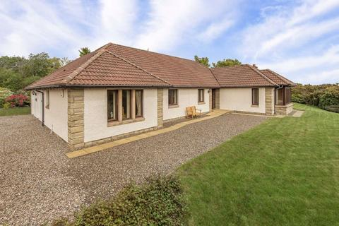3 bedroom bungalow for sale - Comerton Place, Drumoig, Fife