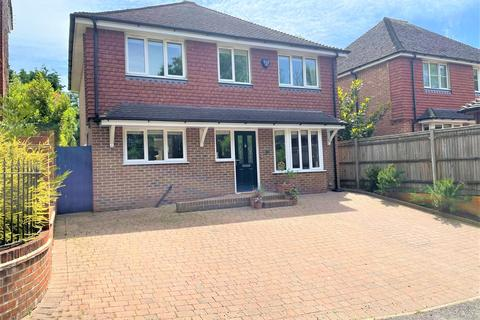 4 bedroom detached house for sale - London Road, Burgess Hill