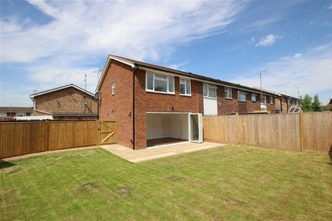 3 bedroom terraced house for sale - Moreleigh Close, Reading