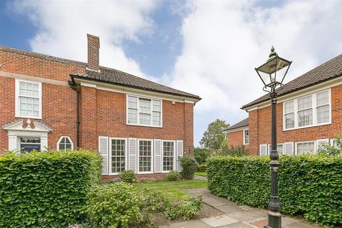 3 bedroom end of terrace house for sale - Arlington Court, Kenton Avenue, Gosforth, Newcastle upon Tyne