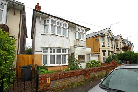 3 bedroom detached house for sale - Ripon Road, Bournemouth