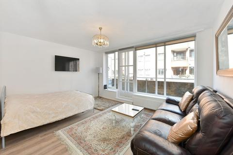 Studio to rent - Pembroke Road, Kensington, W8