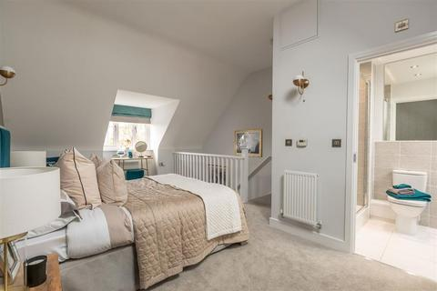 3 bedroom terraced house for sale - The Alton - Plot 204 at Wheat Fields at New Berry Vale, Martlet Way Off Glenton Green HP18