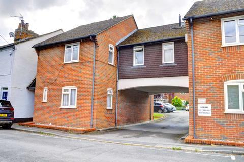 2 bedroom maisonette for sale - Victoria Road, Marlow