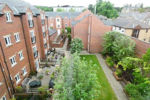 2 bedroom flat for sale - Stainthorpe Court, Hexham, Northumberland, NE46 1WY