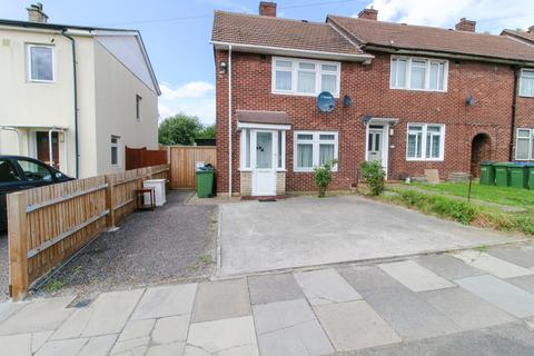 2 bedroom end of terrace house to rent - Whetstone Road SE3