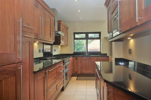 5 bedroom terraced house to rent - BARLEY LANE, Ilford, Essex. IG3