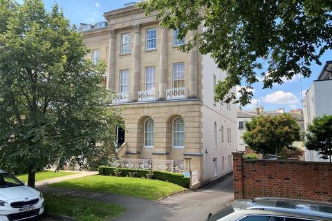 2 bedroom apartment for sale - Queens Parade, Montpellier, Cheltenham, GL50 3BB