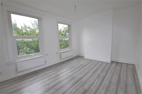 3 bedroom terraced house to rent - Scales Road, London, N17