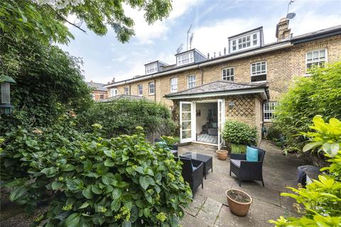 3 bedroom mews for sale - Willoughby Mews, London, SW4