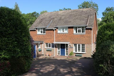 4 bedroom house for sale - Culross Avenue, Haywards Heath, RH16