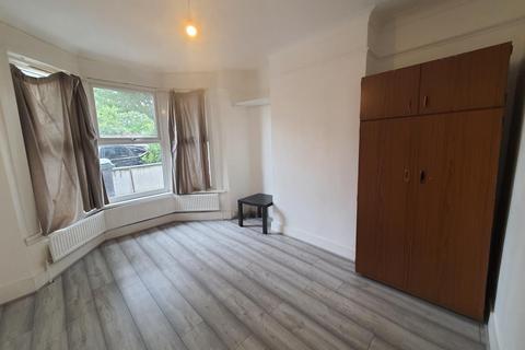4 bedroom terraced house to rent - Scales Road, Tottenham, N17