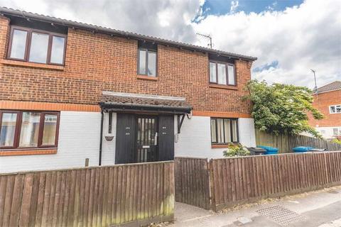 1 bedroom flat for sale - Horton Road, Datchet, Berkshire