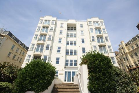 3 bedroom flat for sale - Kingsley Court, Kings Road, Hove