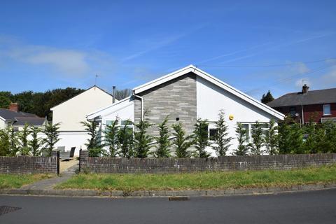 2 bedroom detached bungalow for sale - 1A Highfield Close, Sarn, Bridgend, Bridgend County Borough