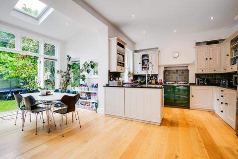 7 bedroom semi-detached house for sale - Elmbourne Road, London, SW17