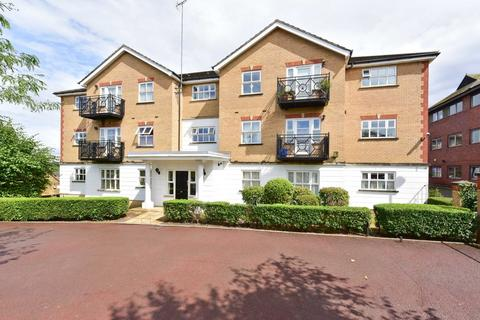 2 bedroom apartment to rent - Pickard Close, Southgate, N14 6DJ