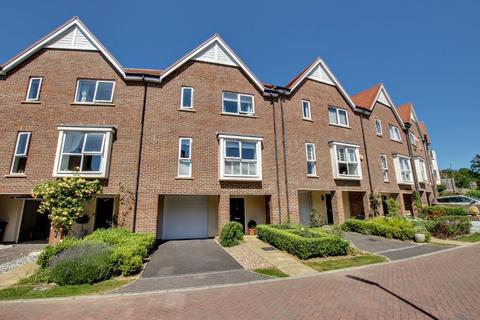 3 bedroom terraced house for sale - Cheney Crescent, Haywards Heath