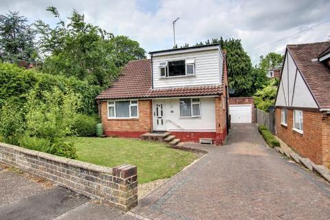 2 bedroom bungalow for sale - Farlington Avenue, Haywards Heath